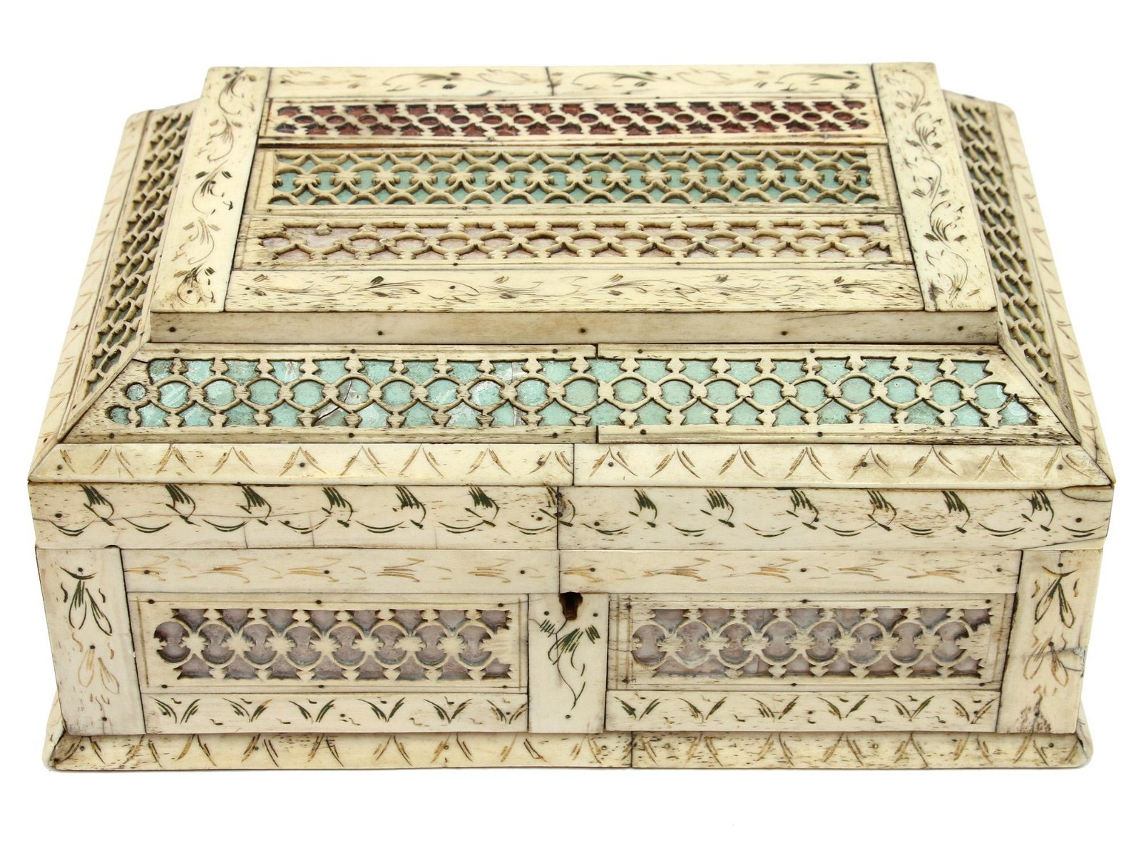 A RUSSIAN KHOLMOGORY BONE CASKET OR BOX, 18TH C.