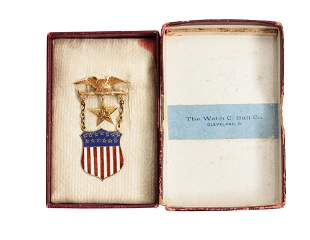 A RARE AMERICAN 14K GOLD AND ENAMEL ORDER