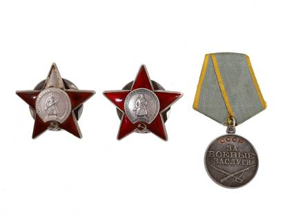 A GROUP OF THREE SILVER SOVIET WW2 DECORATIONS