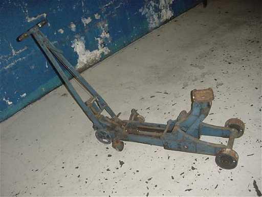 283 Antique Walker Roll A Cap Hydraulic Floor Jack