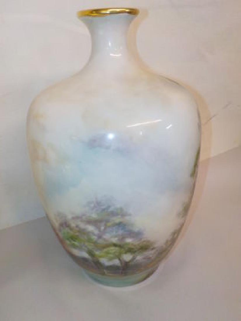 Impressive bulbous vase with handpainted garden scene - 2