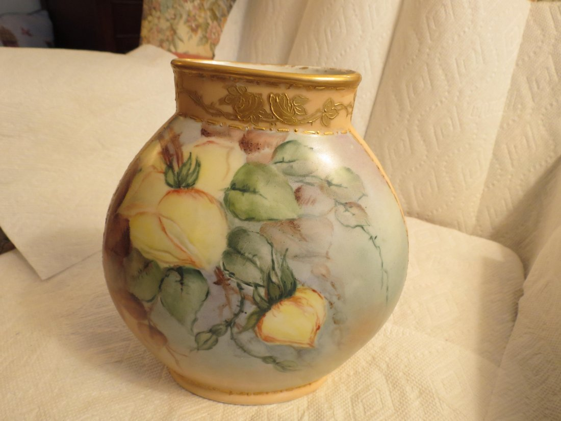 "Pillow vase w/ yellow roses 8.5"" H x 7"" W Made by: JPL - 3"