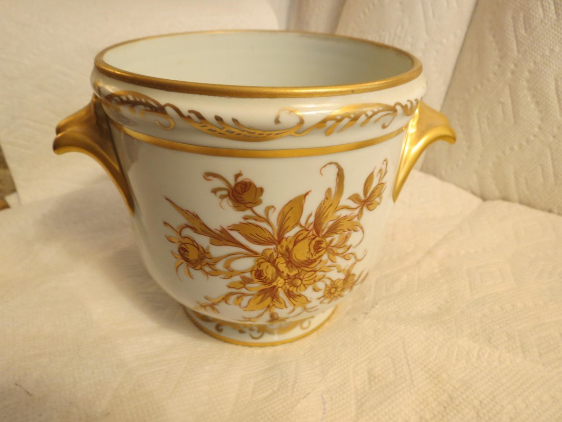 """Two handled chache pot w/ handpainted roses  6"""" H x 8"""" - 2"""