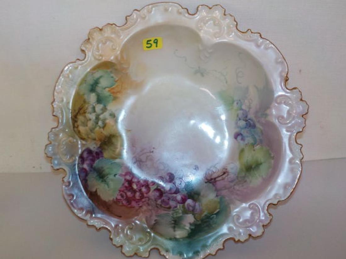 8 in. handpainted deep bowl depicting grapes w/ ruffled