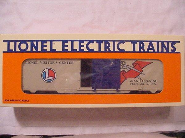 304: Lionel 19920 Visitor's Center Boxcar MIB.