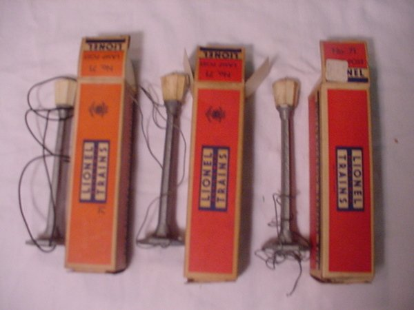312: Lionel 71 Lamp Post In boxes-Set of 3.