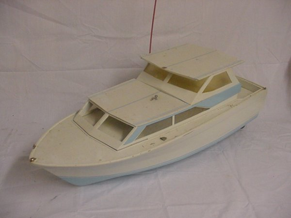 718: Large remote control boat w/Astro 315 elec.motor a