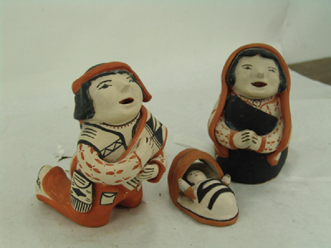 Cochiti Pottery Nativity - Ada Suina - 4