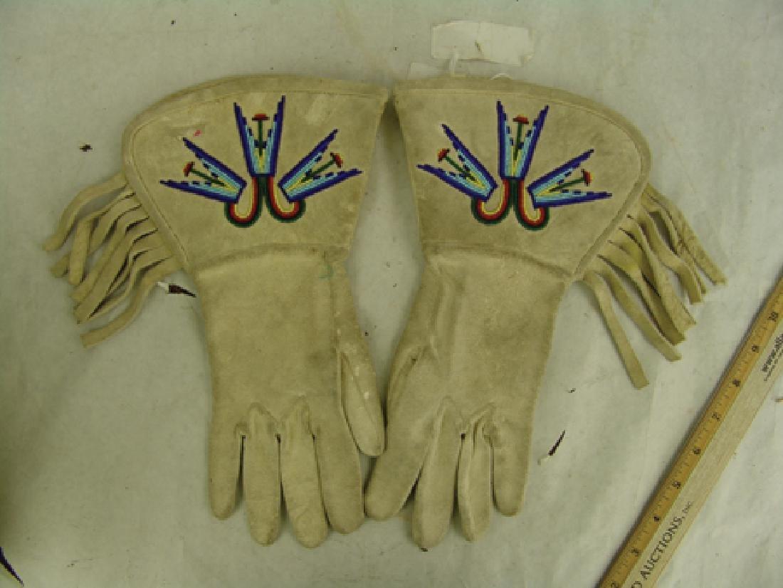 Paiute Beaded Gauntlets - 2