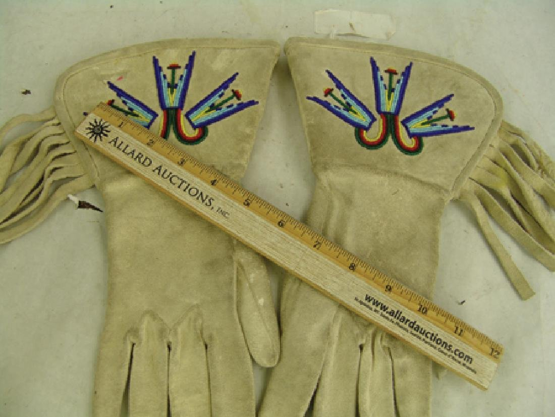 Paiute Beaded Gauntlets - 3