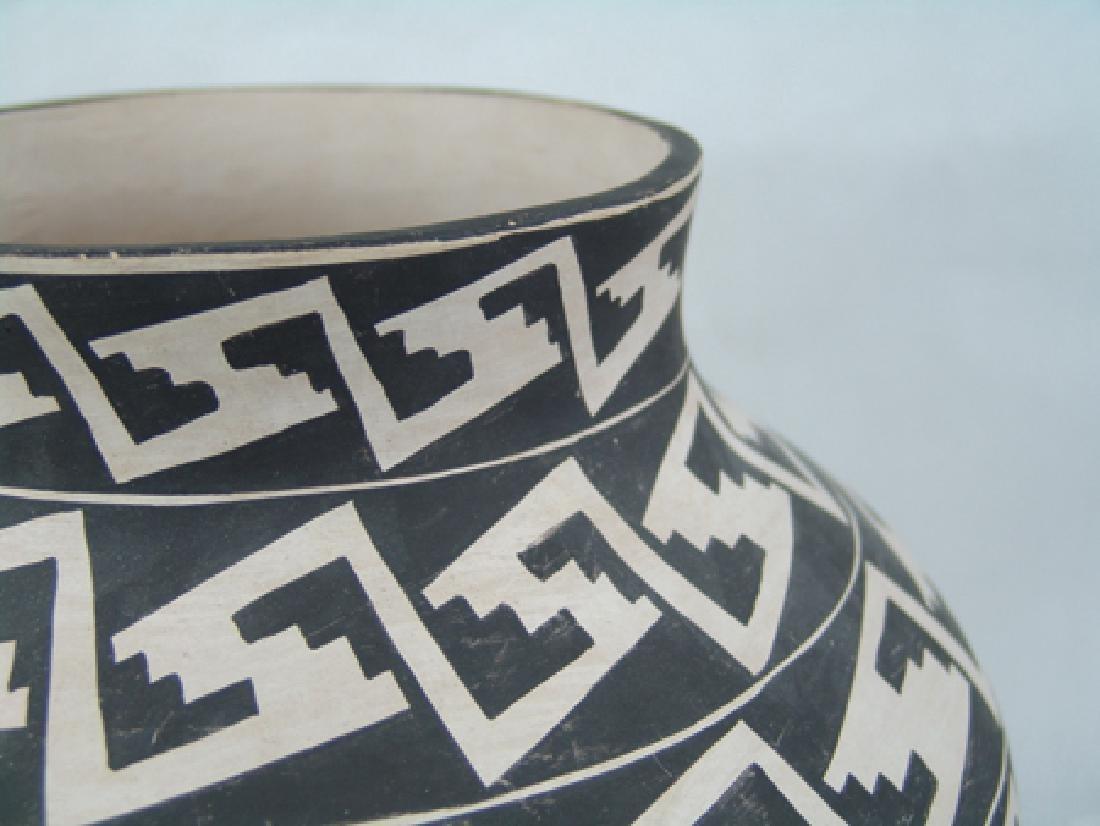 Acoma Pottery Jar - 5