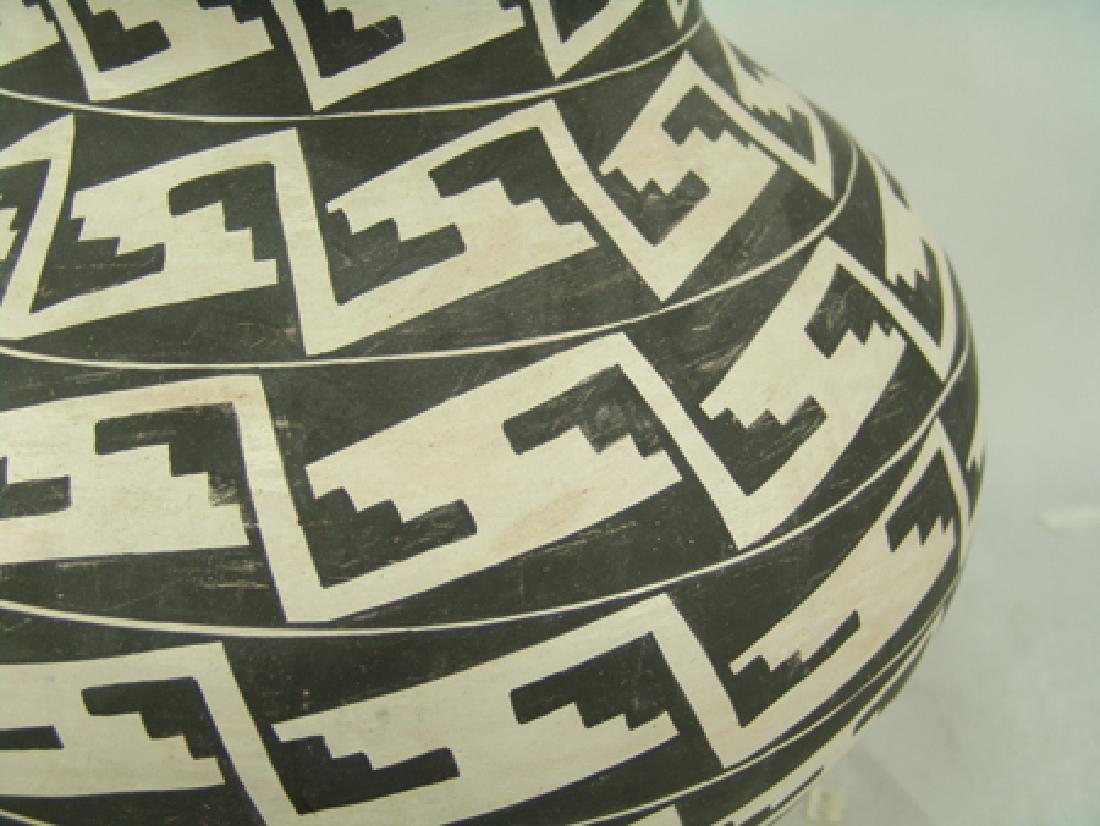 Acoma Pottery Jar - 7