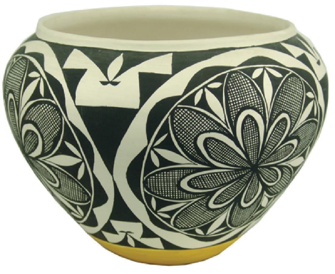 Acoma Pottery Jar - MMT