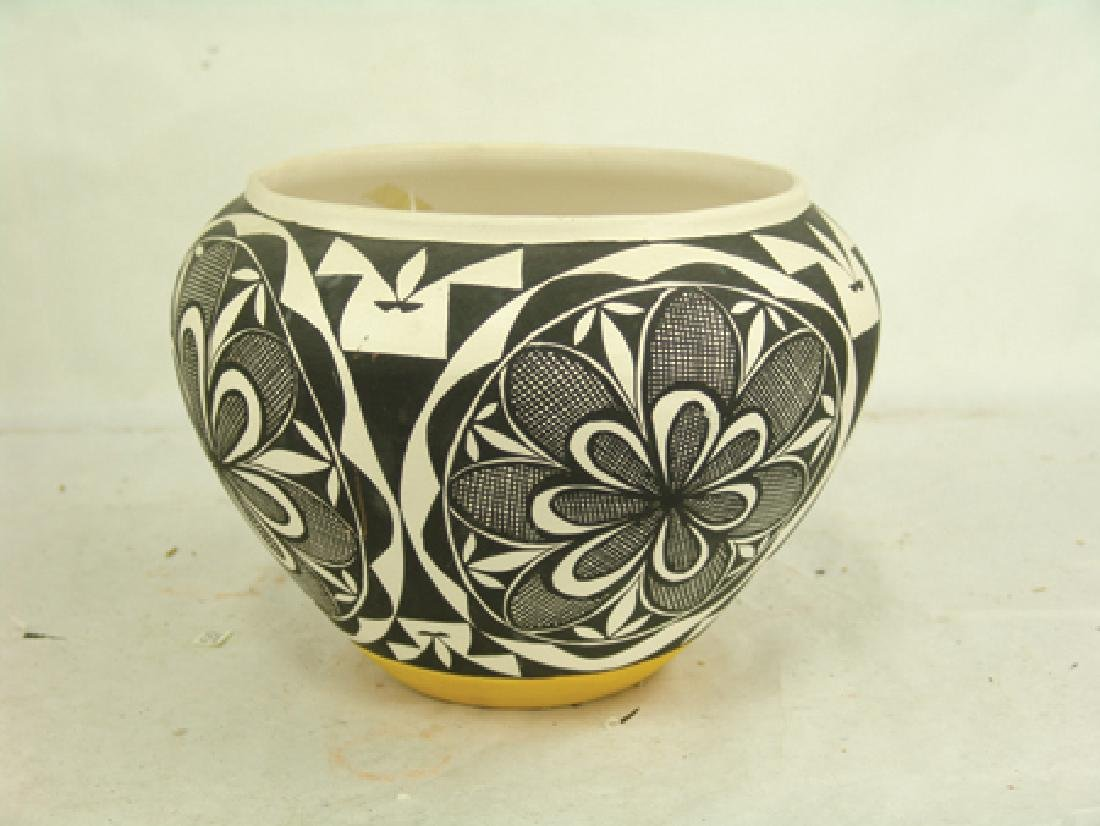 Acoma Pottery Jar - MMT - 3