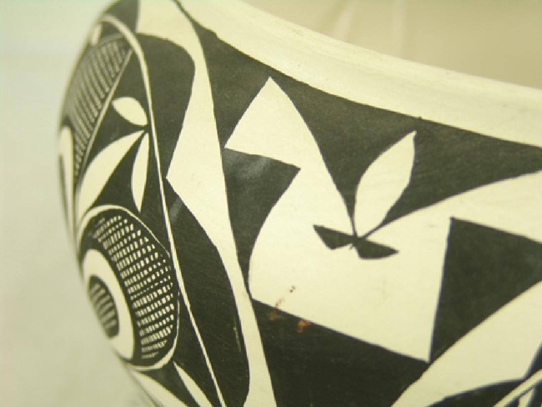 Acoma Pottery Jar - MMT - 5