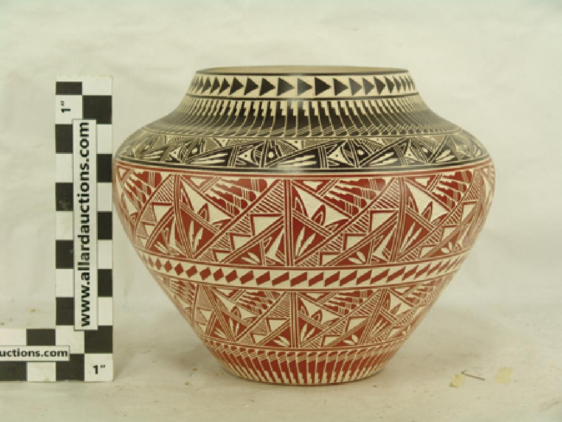 Acoma Pottery Jar - D. Aragon - 3