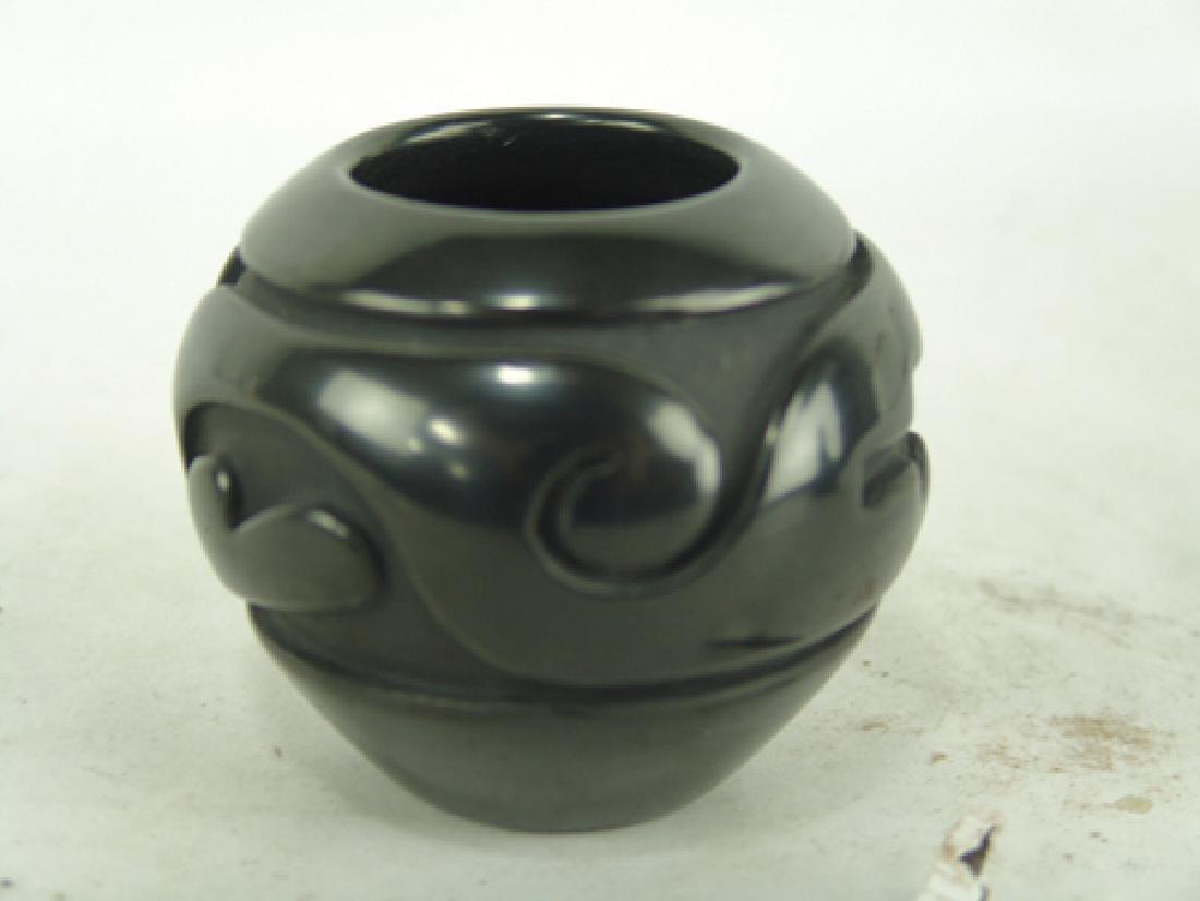 Santa Clara Pottery Jar - Sunday Chavarria - 3