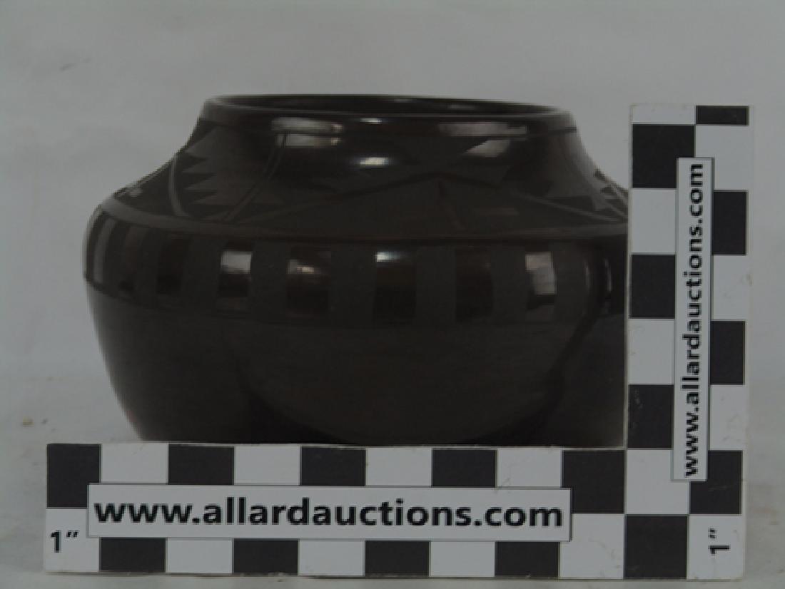 San Idefonso Pottery- Carmelita Dunlap (1925-2000) - 4