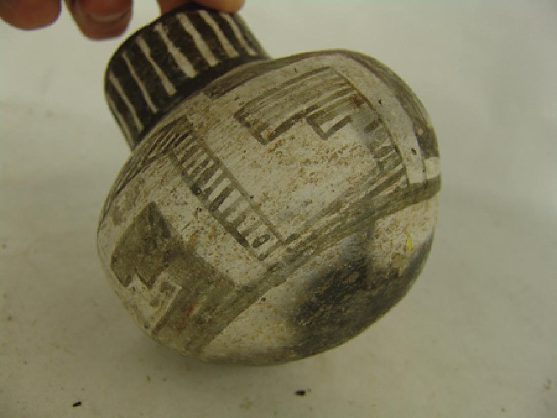 Anasazi Pottery Jar - 4