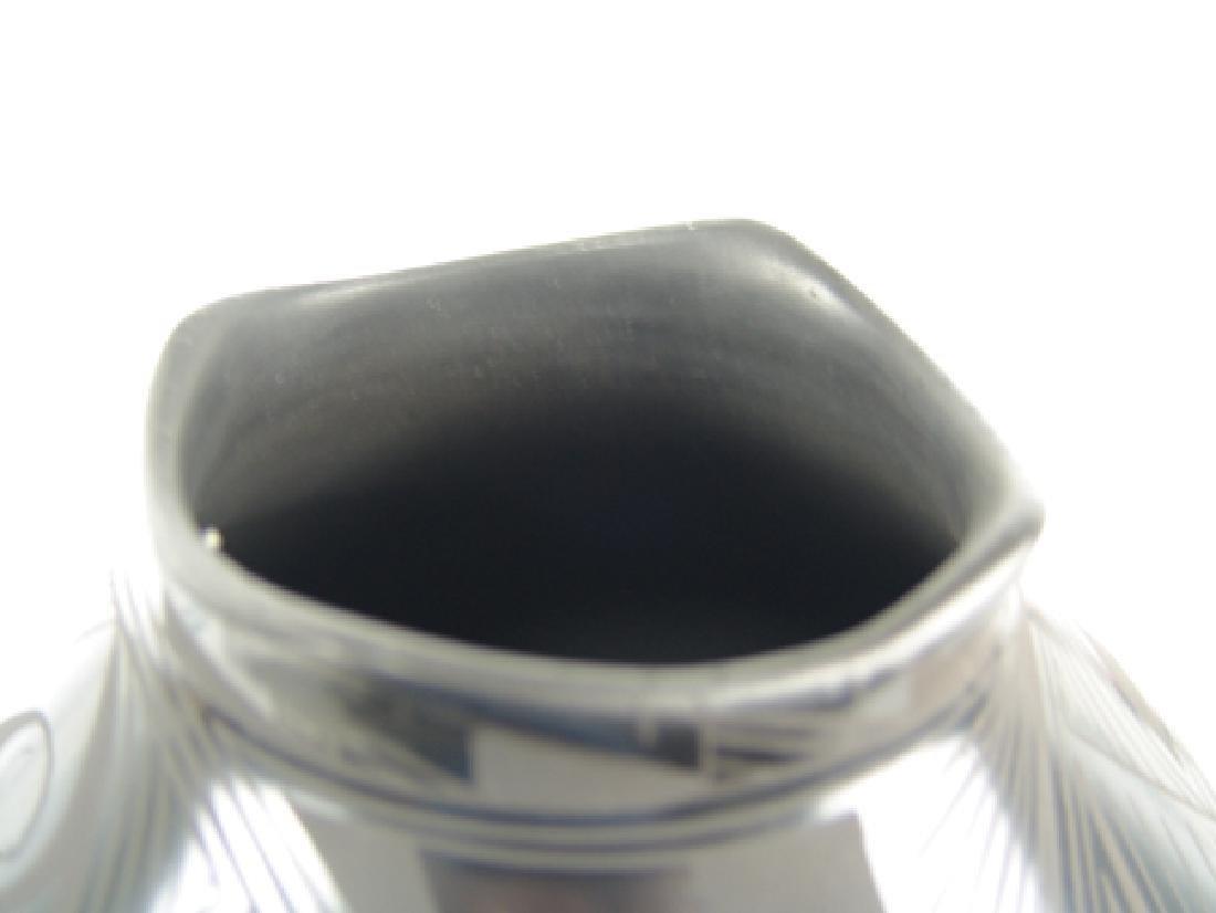 Mata Ortiz Pottery Jar - Yolanda L. Quezada - 8