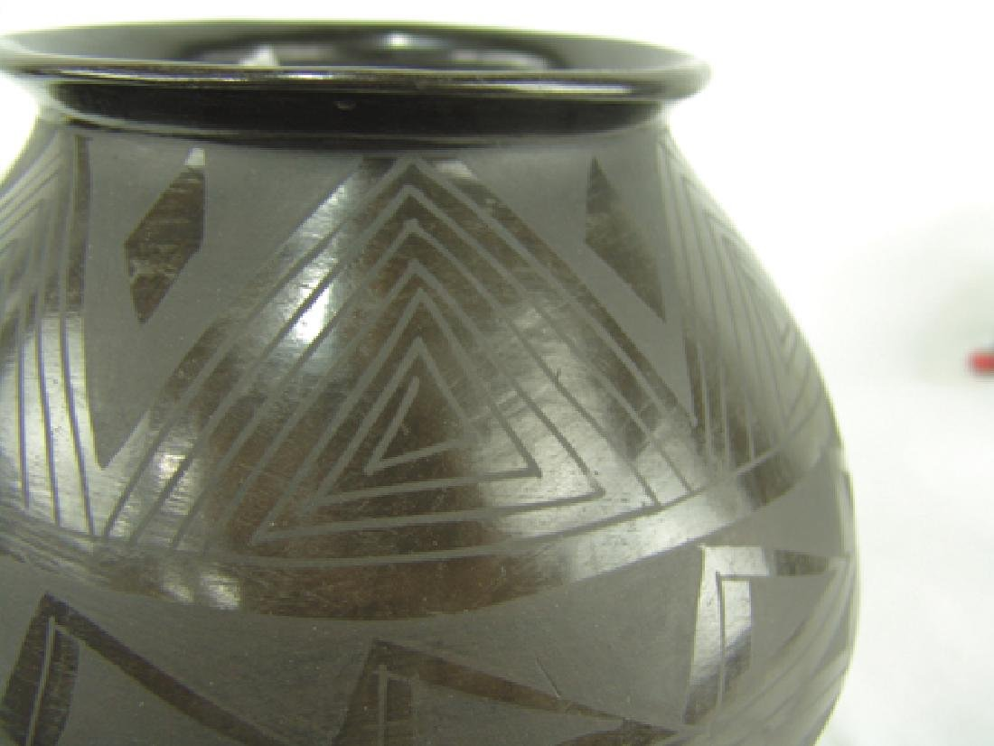 Casas Grandes Pottery Jar - Julio S.S - 4
