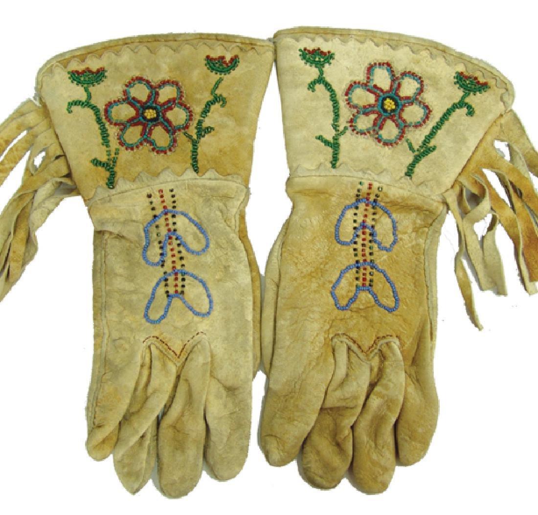 Chippewa/Cree Gloves