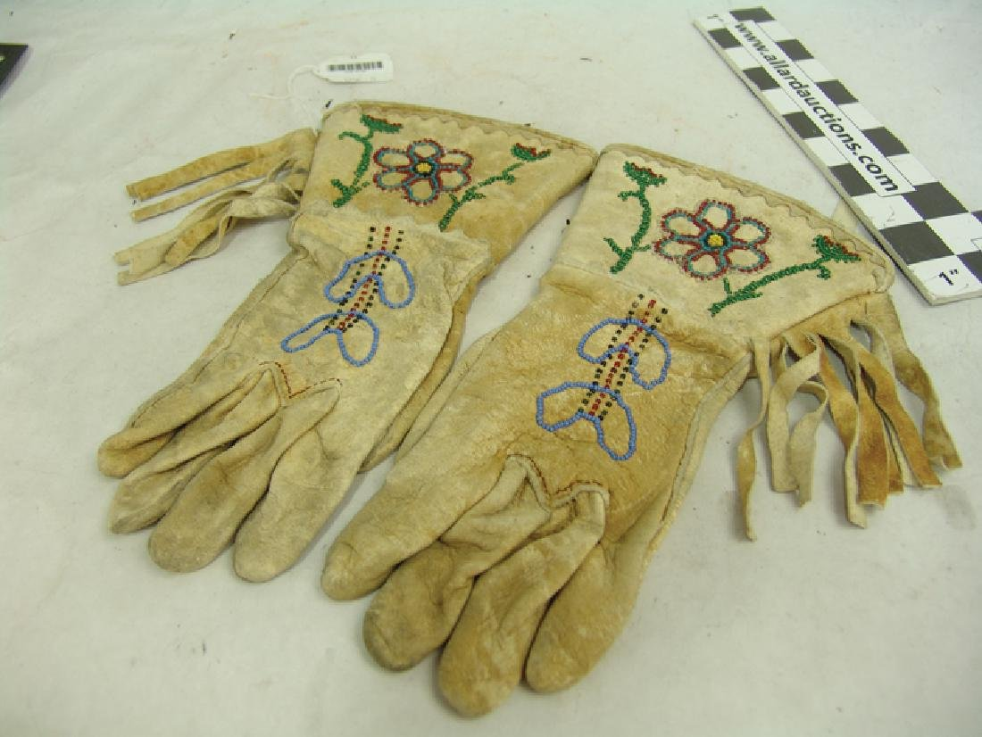 Chippewa/Cree Gloves - 2