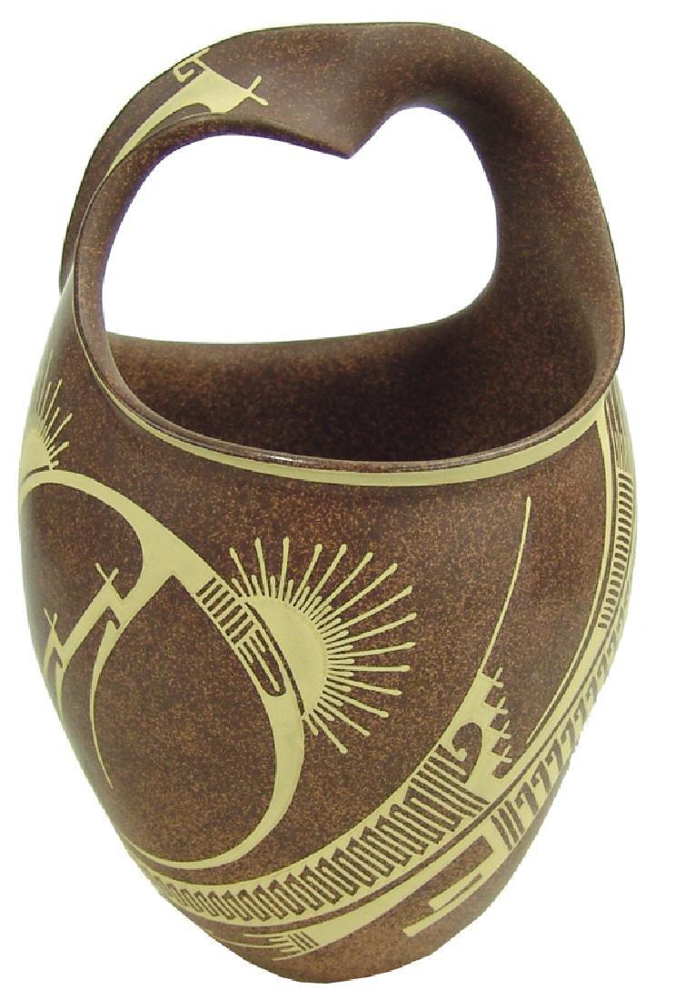 Mata Ortiz Pottery Jar - Jose Quezada