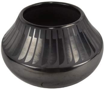 San Ildefonso Pottery Jar - Maria / Popovi