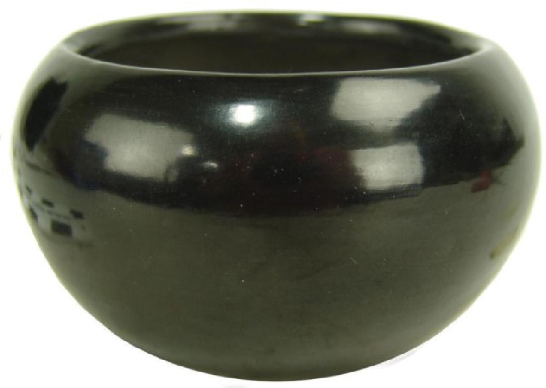 San lldefonso Pottery - Maria Martinez (1887-1980)