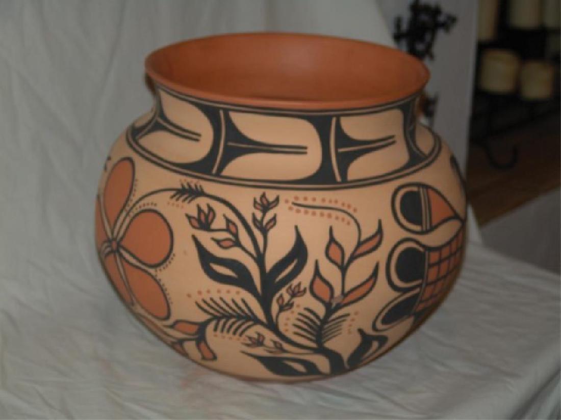 Large Santo Domingo Pottery Jar - Thomas Tenorio - 3