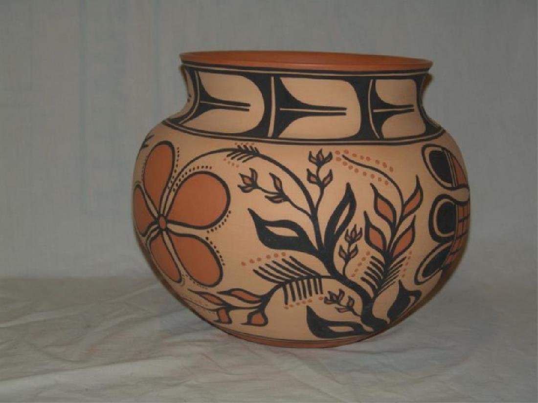 Large Santo Domingo Pottery Jar - Thomas Tenorio - 5