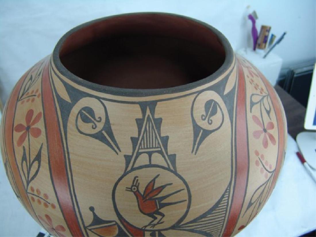 Huge Zia Pottery Jar - Lois Medina (1959-2003) - 11