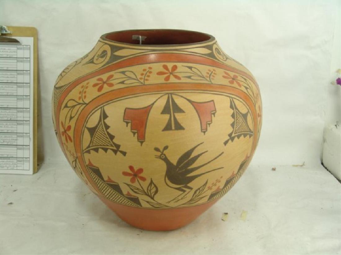 Huge Zia Pottery Jar - Lois Medina (1959-2003) - 2