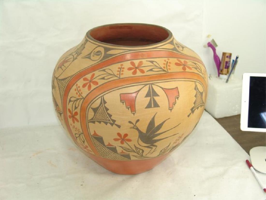 Huge Zia Pottery Jar - Lois Medina (1959-2003) - 5