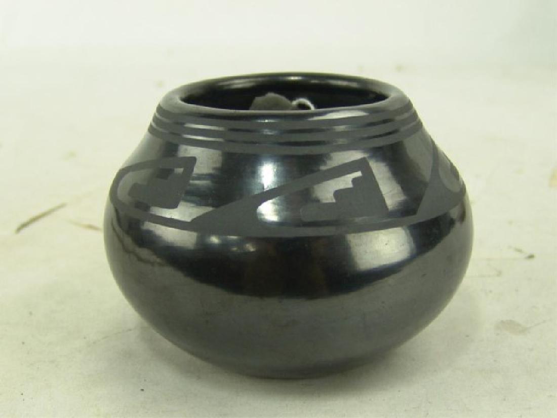 San Ildefonso Pottery Jar - Maria / Popovi - 2
