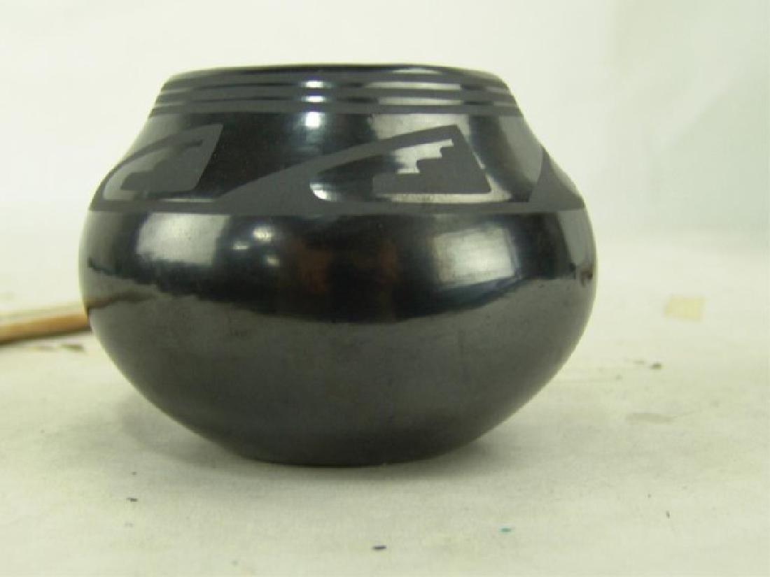 San Ildefonso Pottery Jar - Maria / Popovi - 4