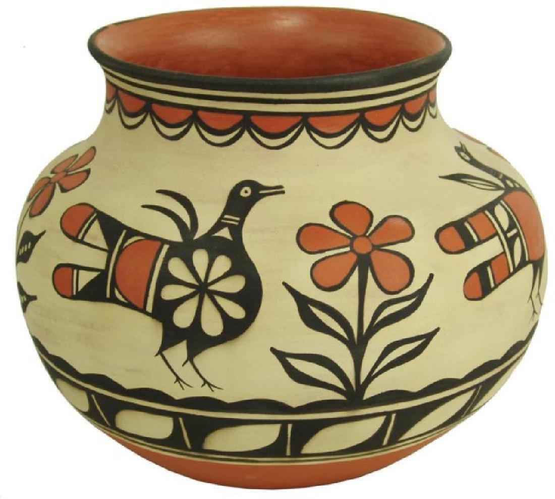 Santo Domingo Pottery Jar - Robert Tenorio(b.1950)