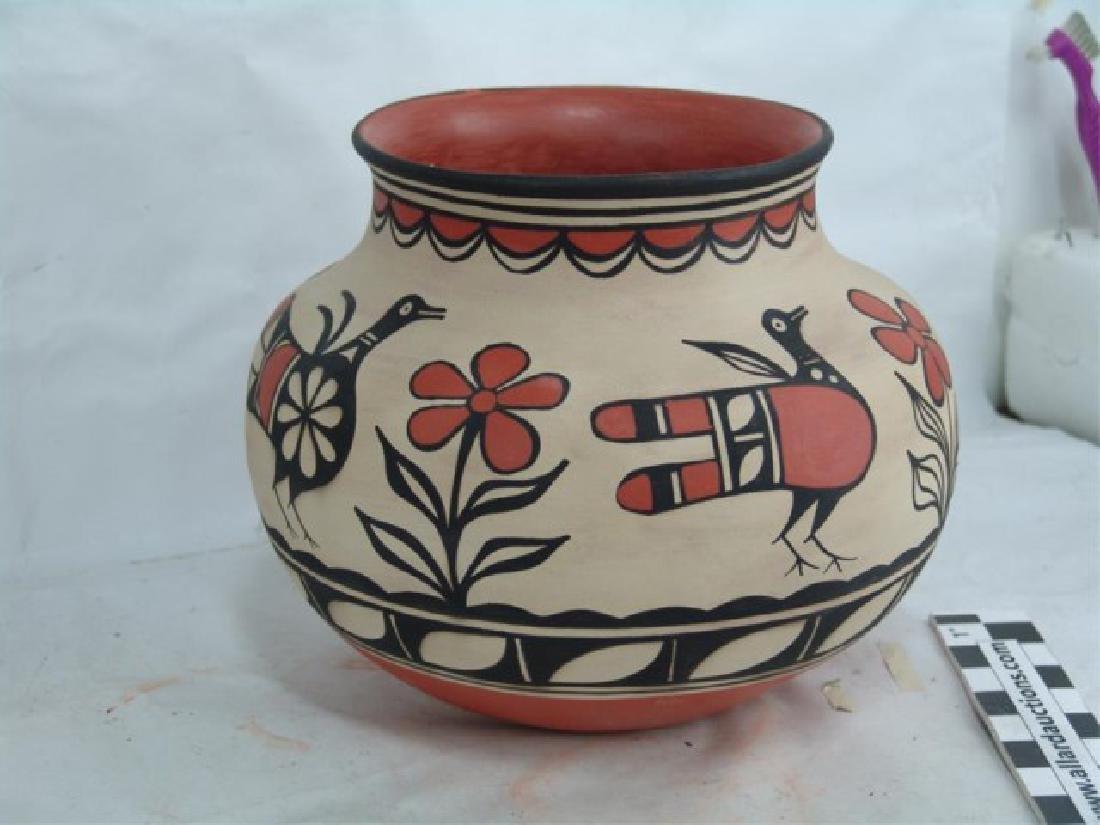 Santo Domingo Pottery Jar - Robert Tenorio(b.1950) - 2