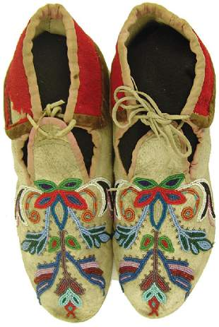 Eastern Sioux Beaded Moccasins