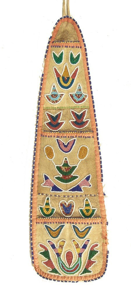 2: Santee Sioux Beaded Wall Pocket