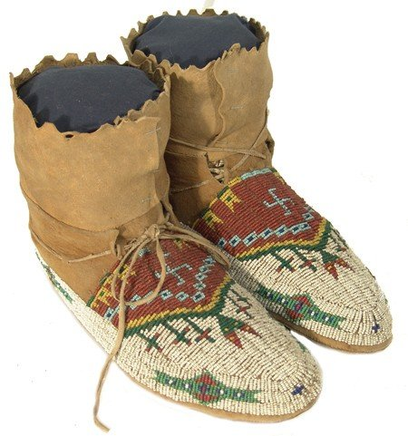 10: Sioux Beaded Moccasins