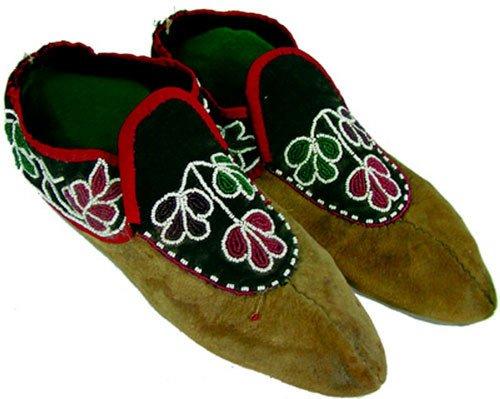 521: Chippewa Moccasins