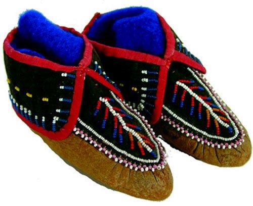 522: Iroquois Moccasins
