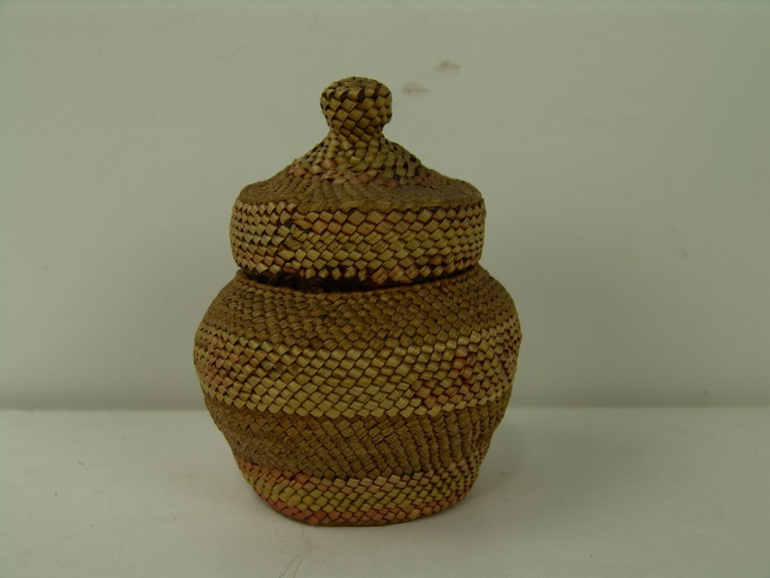 15: Nuu-chah-nulth Basket