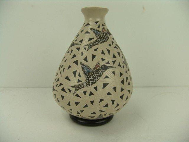 122: Mata Ortiz Hummingbird Vase - Angela Corona