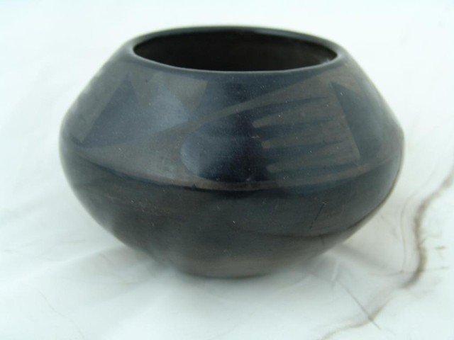 139: San Ildefonso Pottery - Marie & Julian
