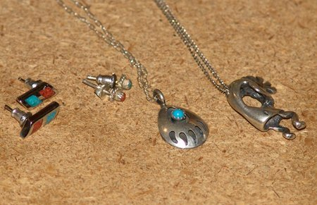 2 Small Earrings & 2 Small Necklaces
