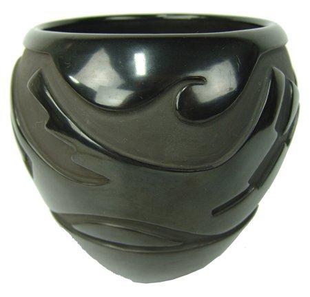 Santa Clara Pottery Jar - Gracie Naranjo