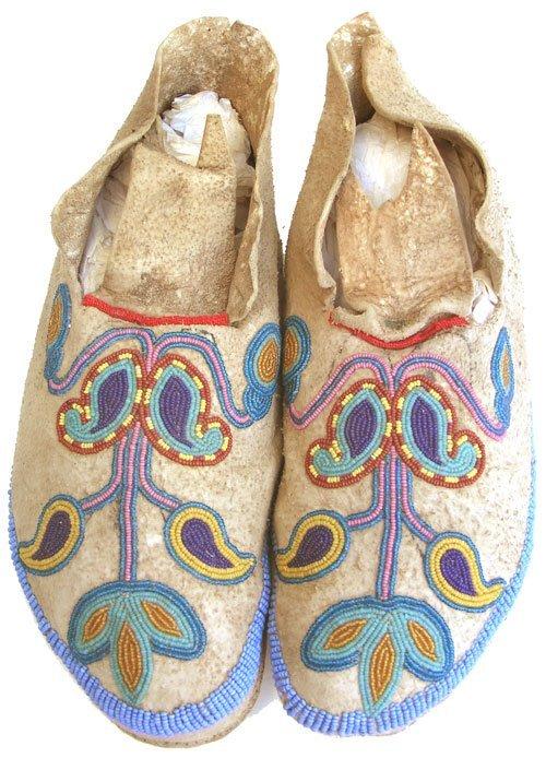 103: Santee Sioux Moccasins
